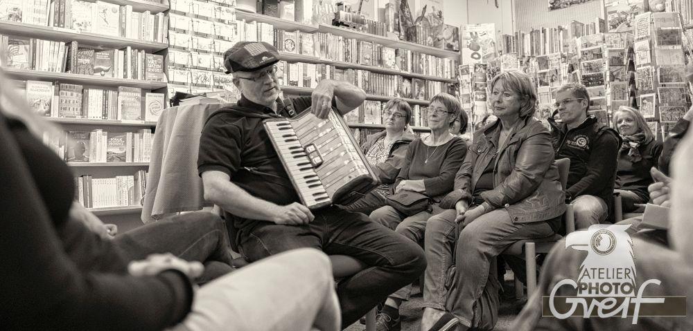 Jürgen Haber mit seinem Akkordeon