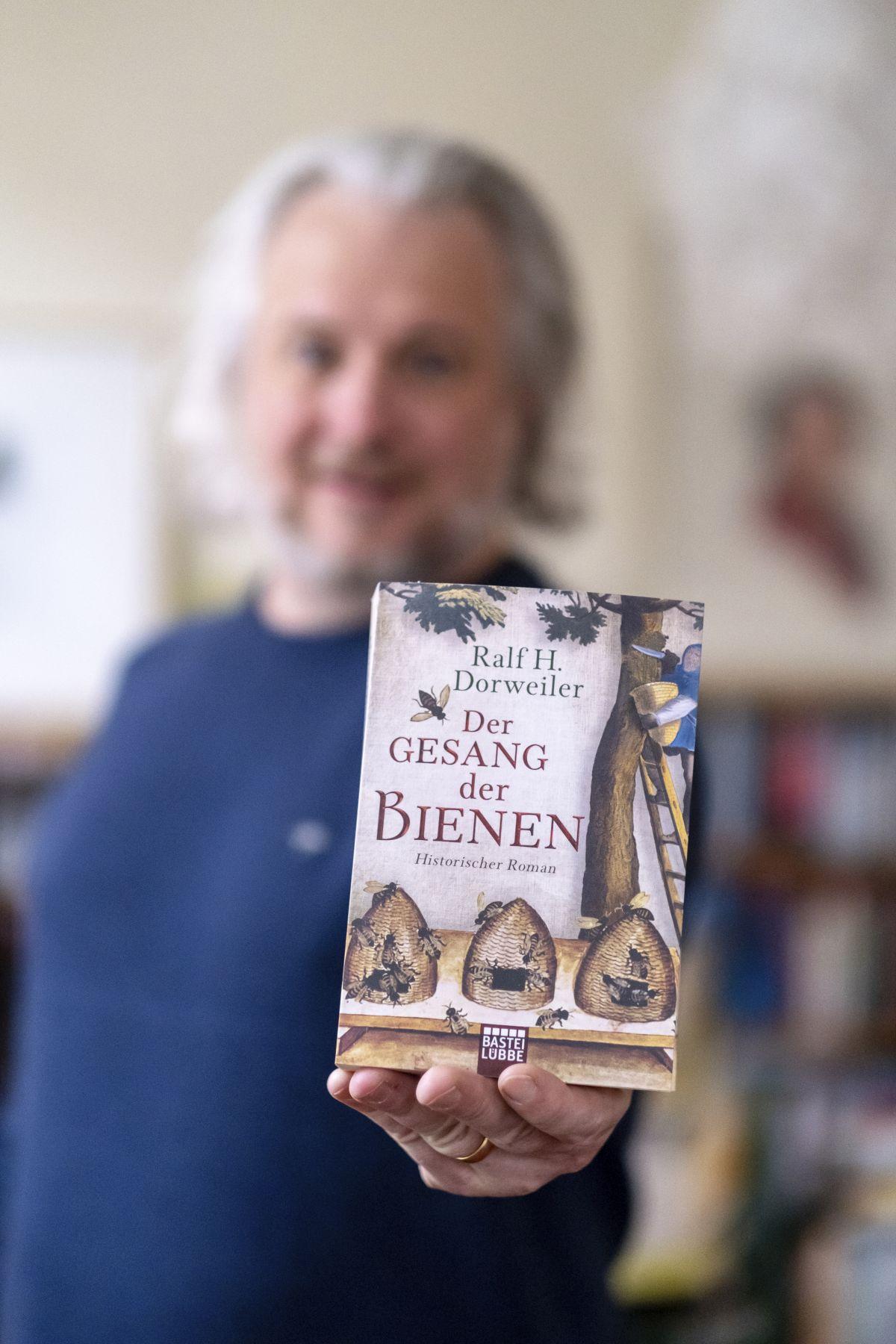 Ralf H. Dorweiler - Der Gesang der Bienen